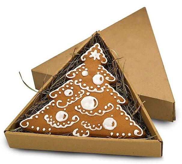 Choinka z piernika w pudełku trójkątnym